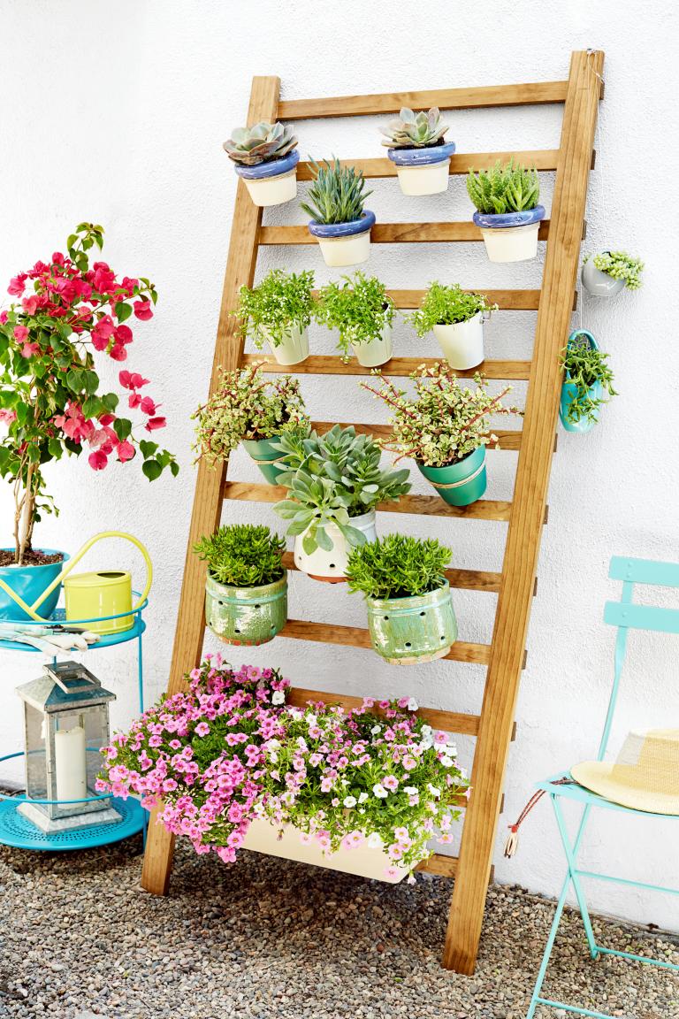 How to Make A Vertical Garden DIY A Vertical Garden in 3 Easy Steps