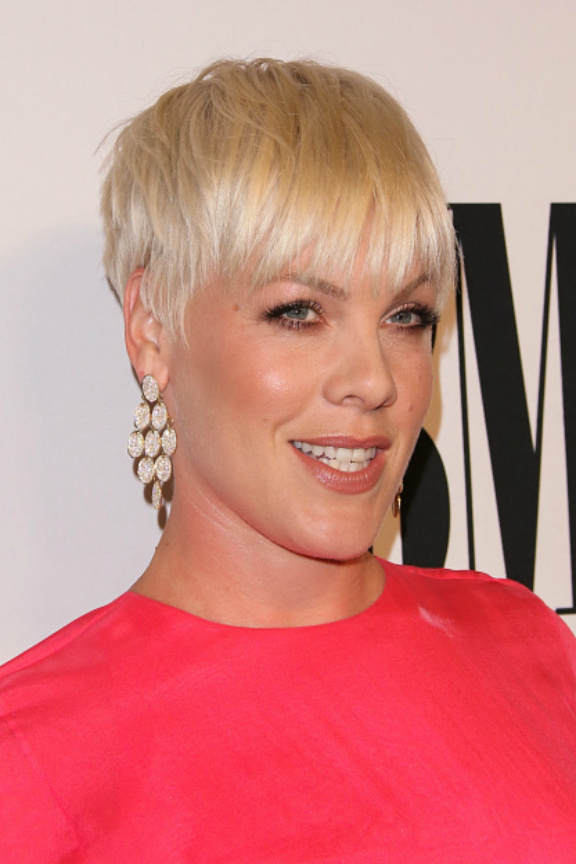 16 Short Hairstyles For Thick Hair 2016 Women S Haircuts