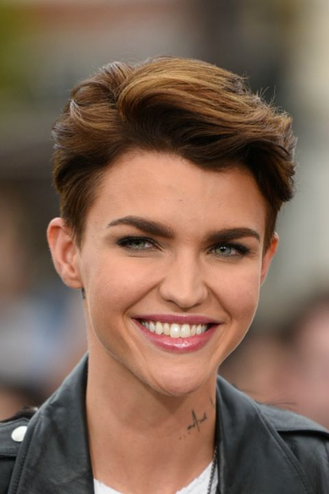 24 Short Hairstyles For Thick Hair 2017 Women S Haircuts