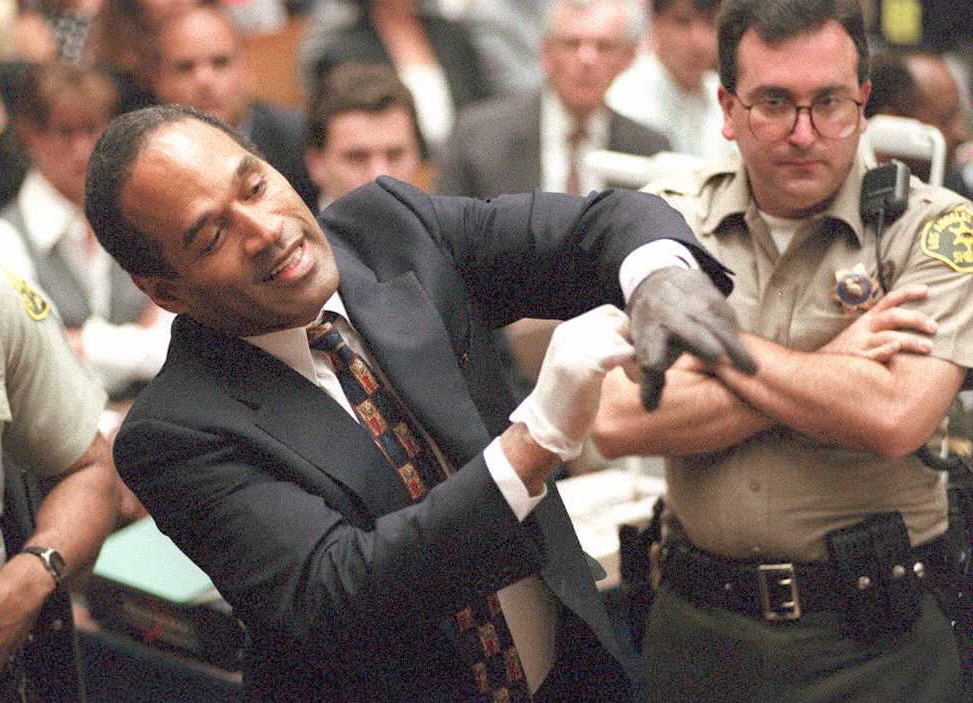 Who was oj dating when nicole was murdered