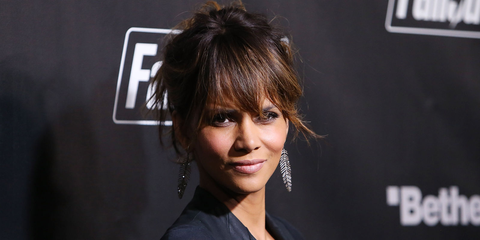 Halle Berry Joins Instagram — See Her Insanely Sexy First ... Halle Berry Instagram