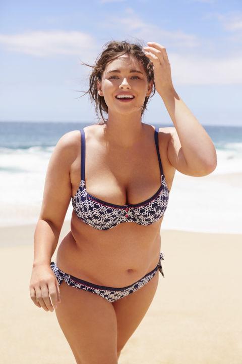 Bikini community pose type