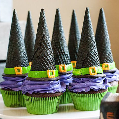 11 best halloween cupcake decorating ideas how to make for Easy halloween cakes to make at home