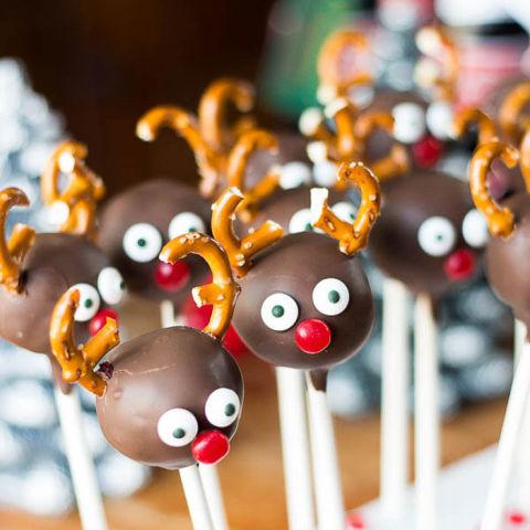 Christmas reindeer cake pops recipe