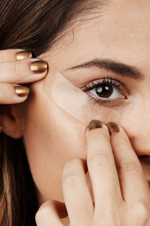 how to apply eyeliner for cat eye look