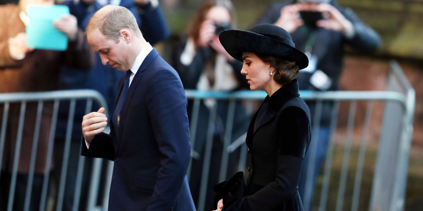 kate middleton and william dating history In her latest project, a revised and expanded version of her book william and harry: behind the palace walls, nicholl redirects her attention to chronicling prince william and kate middleton's eight-year relationship, starting from the moment william saw kate in that famed see-through dress and leading up to their.