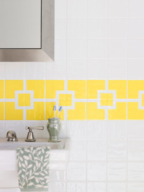 How to paint ceramic tile diy painting bathroom tile for How to paint tiles bathroom