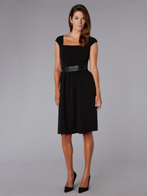 5 Dresses for Every Woman - Choosing a Dress
