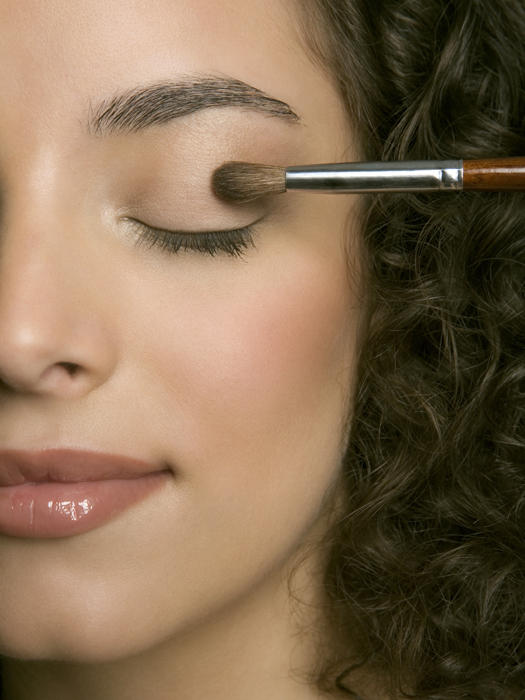 Applying Eyeshadow Tutorials: Step By Step Tips For Perfect