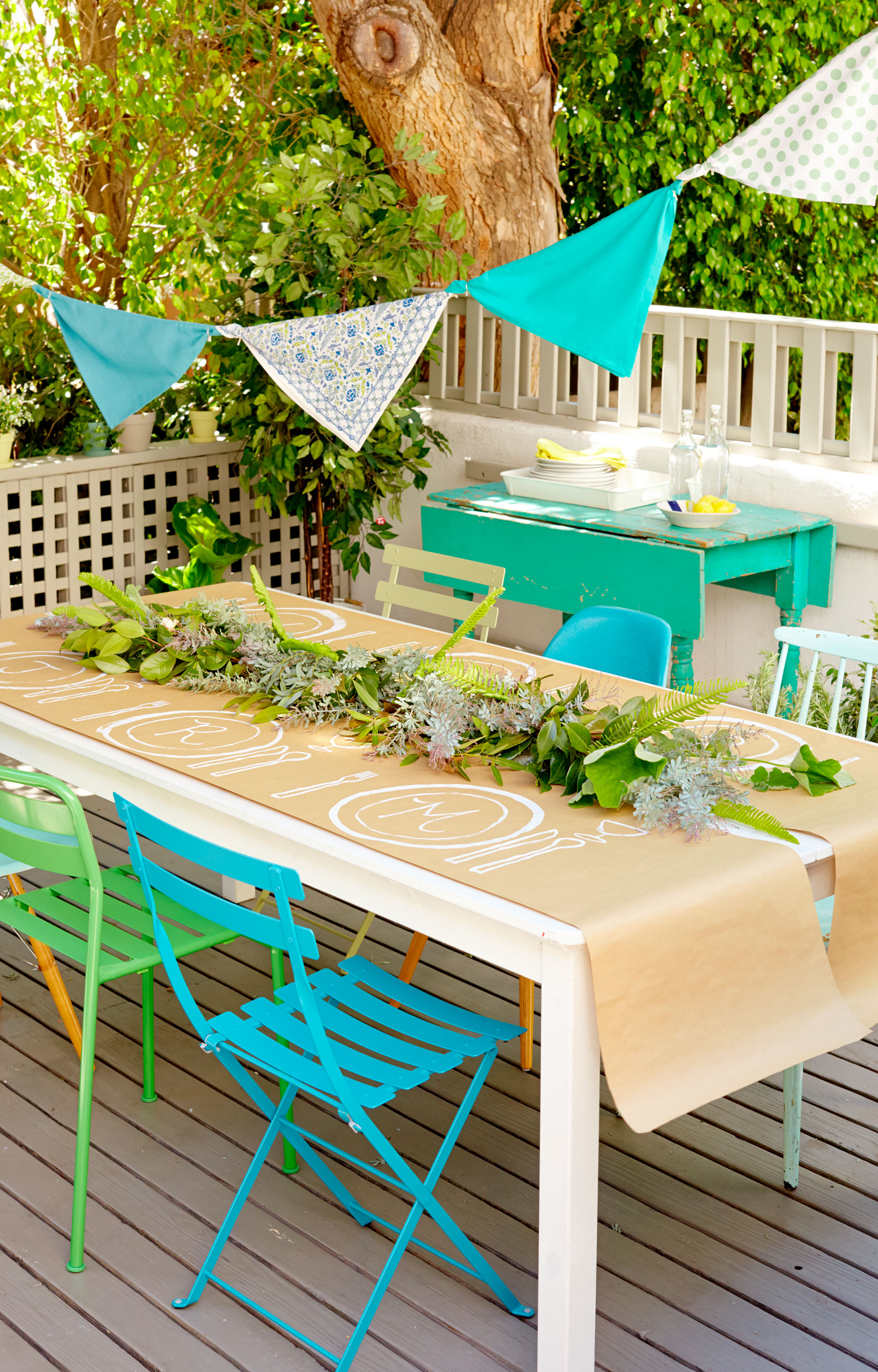 Backyard party ideas and decor summer entertaining ideas for Backyard party decoration ideas