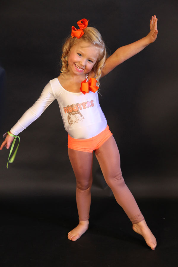 mom causes major controversy with daughters pageant outfit - Pageant Girl Halloween Costume