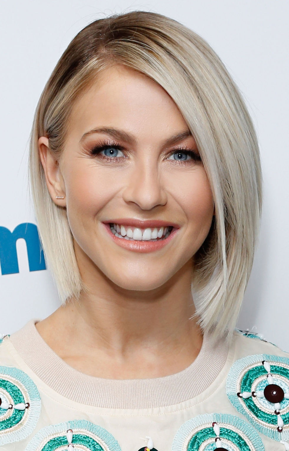 Astounding 35 Hairstyles For Round Faces Best Haircuts For Round Face Shape Short Hairstyles Gunalazisus