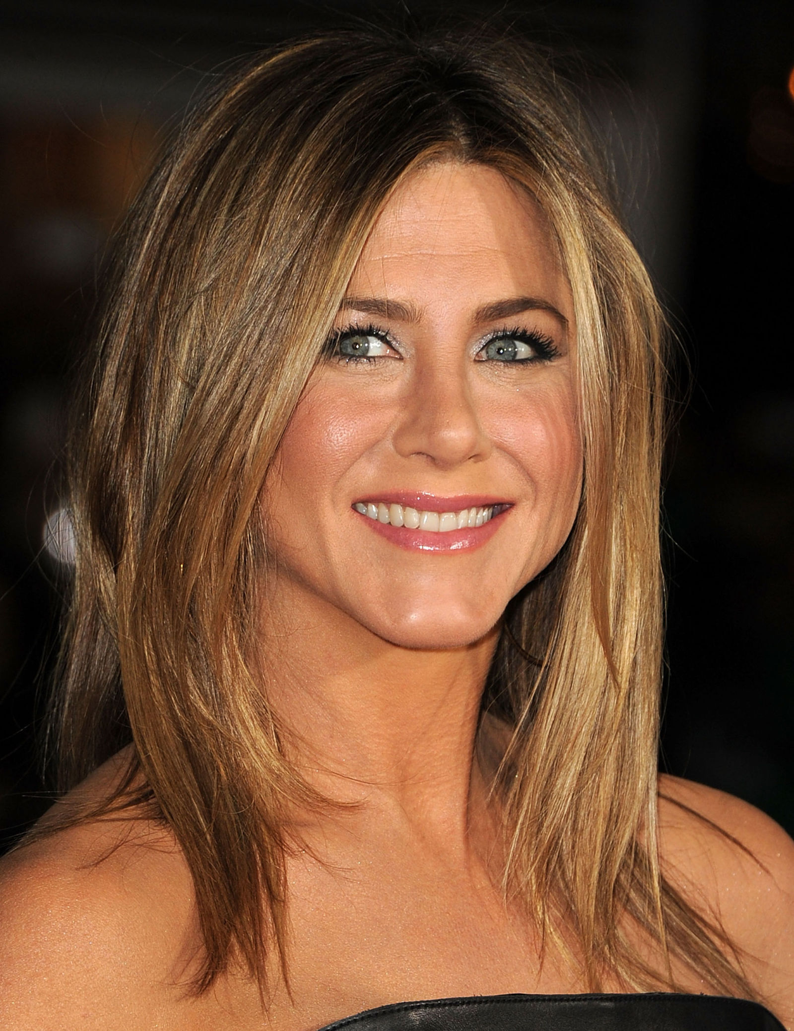 Jennifer Aniston S Best Beauty Tricks