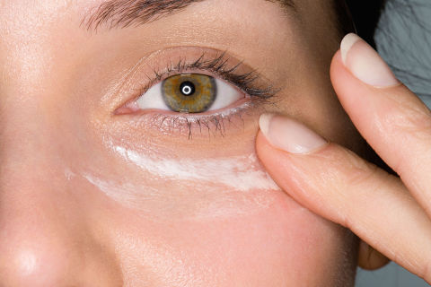 3 Anti-Aging Makeup Routines That Work on Real Women 3 Anti-Aging Makeup Routines That Work on Real Women new images