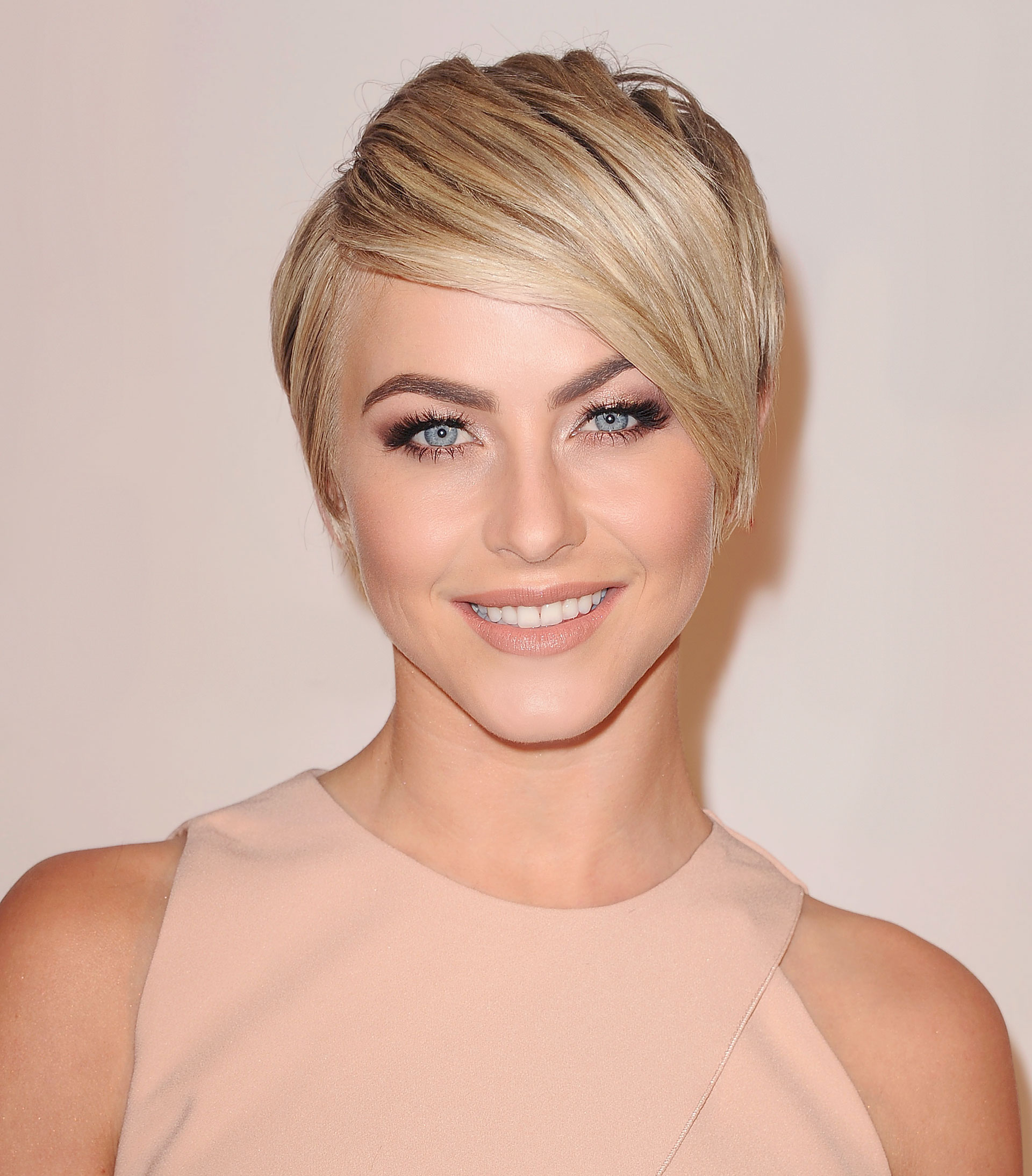 Celebrity Short Haircuts 2018 - 2019 Short and Cuts Hairstyles