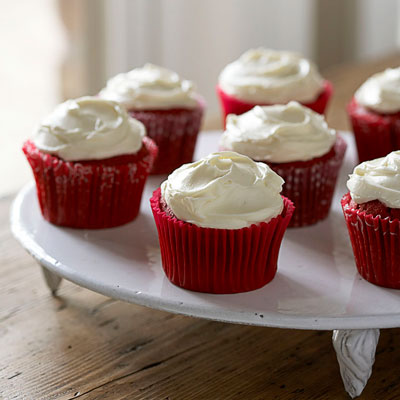 Red Velvet Cupcakes with Creole Cream Cheese Frosting - Thanksgiving ...