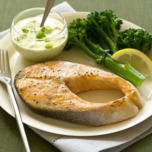 Salmon with curry yogurt sauce fish recipes for Yogurt sauce for fish