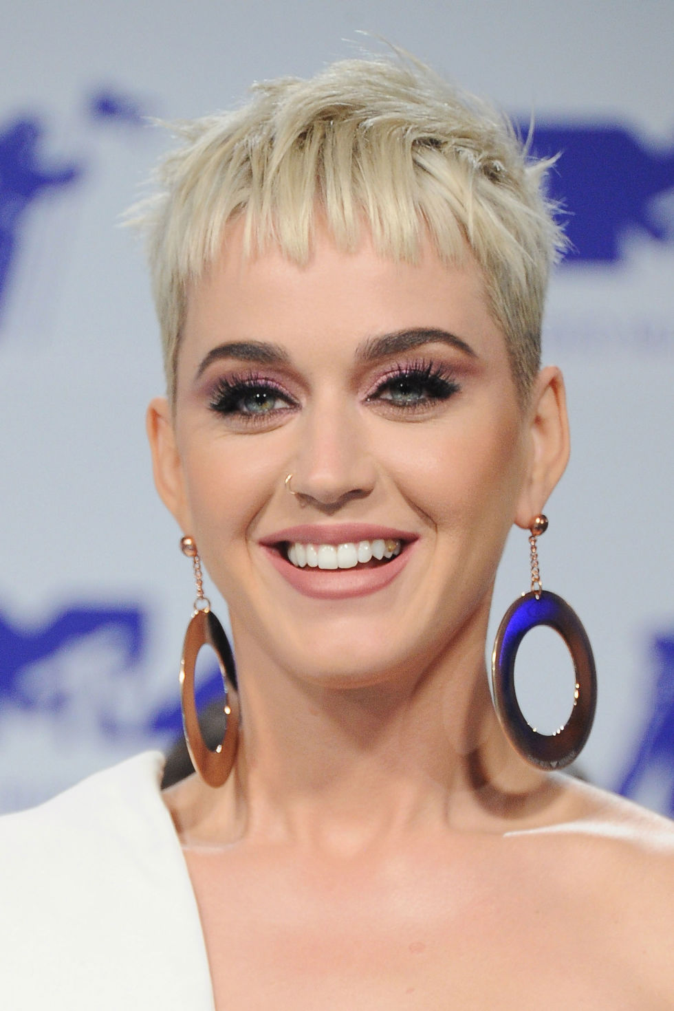30 short hairstyles for thick hair 2017 - women's haircuts for