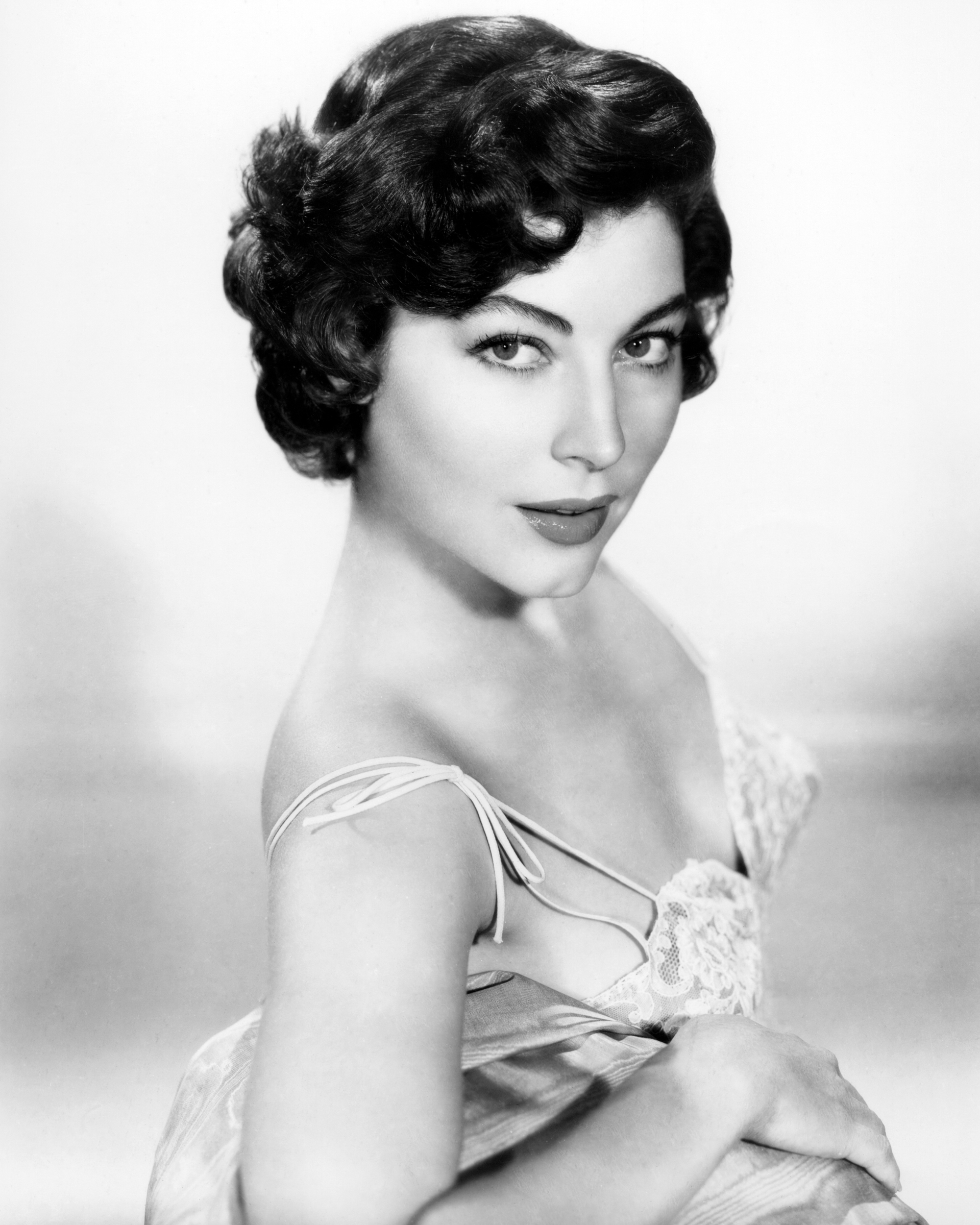 styling short pixie hair 47 best pixie cuts of all time iconic pixie haircut ideas 1940 | 548f37b1d269d rbk pixie cuts ava gardner s2 57969196